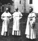 De første som kom til Neuberggaten, p. Béchaux, p. Vanneufville og p. Lutz.